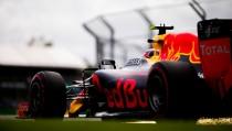 Red Bull quiere acabar con ambos coches en los puntos