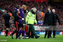 Watford 'keeper Heurelho Gomes unlikely to return in near future with troublesome knee injury