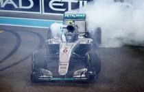 """Formula 1 - La gioia di Rosberg: """"Sensazioni surreali, felicissimo del titolo"""". Hamilton: """"Fatto il massimo"""""""