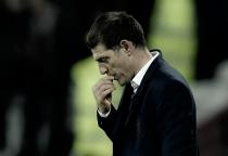 Após goleada sofrida, direção do West Ham discutirá futuro do clube com treinador Bilic
