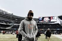 Após oito temporadas de inconstantes atuações, Jay Cutler é dispensado do Chicago Bears