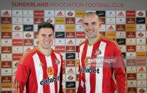 Sunderland confirm double signing of Bryan Oviedo and Darron Gibson