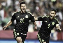 Felicidad de los jugadores mexicanos tras triunfo ante Paraguay
