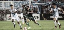 Com um a menos, Palmeiras segura Tucumán e estreia com empate na Libertadores