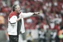 Abel Braga lamenta derrota e eliminação do Internacional, mas pede foco no Brasileirão