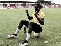 Adebayor quiere volver a la Premier League