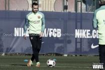 Segundo entrenamiento del Barça bajo mínimos
