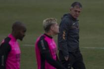 Saunier se retira por anticipado en la vuelta a los entrenamientos del Granada