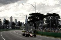 Lewis Hamilton se lleva la pole en Albert Park