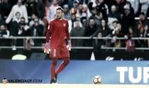 ESPECIAL DERBI: Asenjo VS Alves, el derbi en sus manos