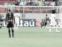 De virada e com gol contra no fim, Chapecoense bate América-MG no Independência
