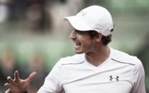 French Open 2016: Wawrinka, Radwanska through as Murray struggles