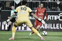 PSG sofre, mas vence Angers com dois gols de Di María e cola no líder Monaco