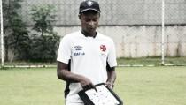 Técnico do time feminino do Vasco elogia equipe do Flamengo e exalta final do Carioca
