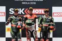 SBK, Imola, sventolano i colori Ducati. Davies trionfa davanti alle Kawasaki
