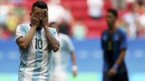 Correa vuelve antes de tiempo tras el batacazo de Argentina