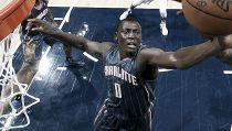 Biyombo ficha por Toronto Raptors