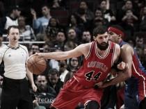 Chicago Bulls vencem Detroit Pistons em confronto direto pelos playoffs