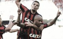 Atlético-PR mantém boa fase em casa ao vencer Sport e segue vivo por Libertadores