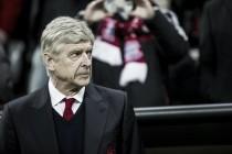 """Sob críticas, Wenger nega rumores de aposentadoria: """"Serei técnico nem que seja fora do Arsenal"""""""