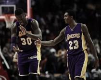 Los Lakers superan a Chicago de la mano de un gran Julius Randle