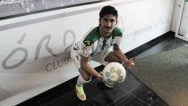 José Carlos ha sido presentado con la elástica blanquiverde en la Tienda Oficial del Córdoba CF