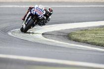 MotoGP Le Mans, vince Lorenzo davanti a Rossi