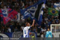 Brahimi debuta en Champions a lo grande