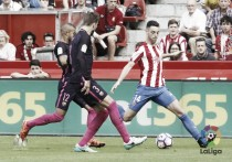 El Sporting luchó hasta que le fallaron las fuerzas ante el Barcelona