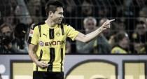 Raphael Guerreiro volta a marcar e comemora gol diante do Freiburg