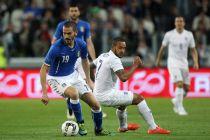 L'Italie et l'Angleterre se neutralisent