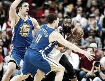 Golden State da un golpe sobre la mesa ganando a los Rockets