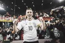 """Lukas Podolski: """"El Real Madrid o el Barcelona no serían suficientes"""""""
