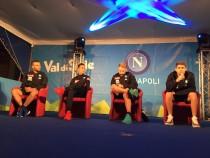 Napoli, finalmente parola ai protagonisti. Callejon ruba la scena, Tonelli si presenta