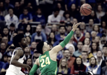 NCAA, Elite Eight - Clamoroso a Kansas City: Oregon elimina i Jayhawks e vola alle Final Four