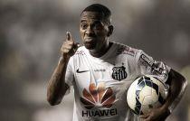 Robinho ressalta confiança do elenco e comemora chegada à sétima final seguida do Santos