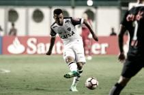 Melhor passador do Atlético-MG contra Libertad, Carioca aprova mudança tática