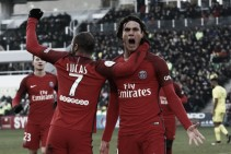 Cavani marca duas vezes, PSG vence fora de casa e encosta nos líderes da Ligue 1