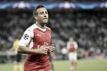 Cazorla realizará cirurgia no tornozelo direito e desfalca Arsenal por mais três meses