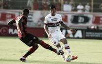 """Vitória faz """"dever de casa"""", bate São Paulo e respira no Campeonato Brasileiro"""