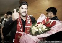 Envolvido em negociação recorde, Hulk chega à China para assinar com o Shanghai SIPG