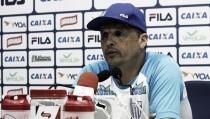 """Claudinei fica satisfeito com empate do Avaí diante do Joinville: """"Baita resultado"""""""