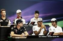 """F1, la conferenza prima di Spa. Hamilton: """"Prenderò la penalità"""". Verstappen: """"Avviciniamoci alla Mercedes"""""""