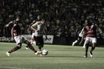 Atlético-GO marca no último lance, vence Criciúma de virada e fica cada vez mais perto do acesso