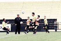Criciúma recebe líder Atlético-GO precisando vencer para manter na briga pelo acesso