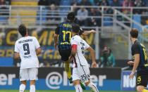 Colpaccio Cagliari a Milano: 1-2 sull'Inter