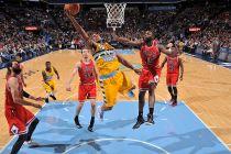 Denver sigue con su racha de victorias ante unos Bulls donde Rose volvió a dar el susto