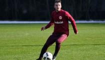 Eintracht Frankfurt sign Stuttgart youngsterMax Besuschkow