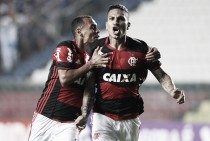 Flamengo bate Cruzeiro de virada e segue na cola do líder Palmeiras