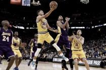 NBA, i Golden State Warriors scrivono la storia: Lakers ko (111-77) e 16-0!